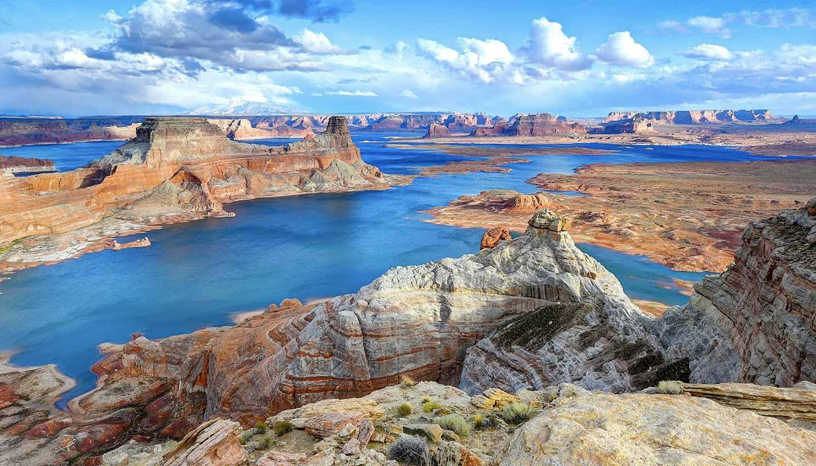 Beautiful Lake Powell, Utah